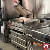 Plaque au chrome à gaz permettant une économie d'énergie avec l'allumage par zone. Bain chrome dur 50 microns, acier inoxydable, facile à nettoyer et d'entretien, accessoires inclus (grattoir, brosse et jeu de lames) !  @mirror_cooking #plancha #madeineurope #professionalkitchen #professionalcooking